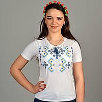 Патриотическая футболка вышиванка с геометрическим орнаментом