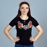 Женская вышитая футболка черного цвета гладью маки с орнаментом