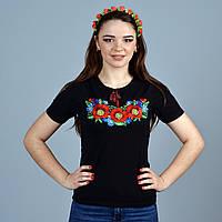 Красивая женская футболка с вышитыми маками веночек
