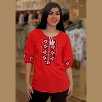 Женская блузка с вышивкой из штапеля