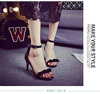 Черные босоножки на маленьком каблуке