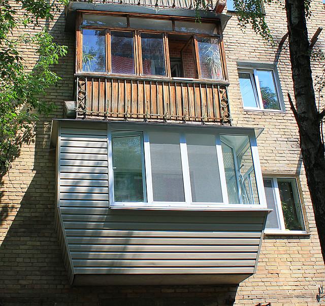 Застеклить двушку: 2 балкона с выносом + два окна больших - .