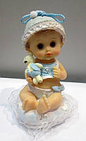 Малыш на подушке Мальчик - сувенирная статуэтка на подарок маме