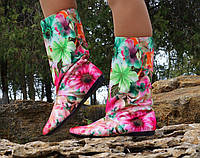 Разноцветные женские тканевые сапоги с цветочным принтом