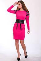Удобное платье из дайвинга модного фасона с перфорированной кожей