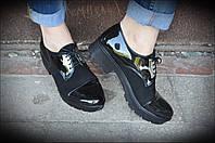 Женские черные туфли со вставками кожи и замша с пряжками
