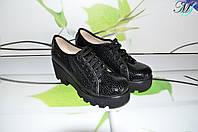 Черные кожаные женские туфли на высокой платформе