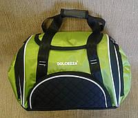 Спортивная сумка удобная ярко зеленого цвета фирмы DOLCEZZA