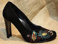 Красивые Туфли Лодочки Замшевые с Вышивкой