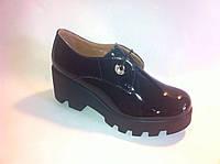 Туфли женские на высокой подошве лаковая кожа со шнурками
