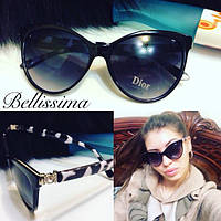 Красивые женские солнцезащитные очки с декорированной оправой q-431696