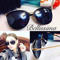 Стильные женские солнцезащитные очки в тонкой позолоченной оправе r-431699