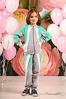 Красивый спортивный трикотажный костюм на девочку