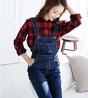 Модный джинсовый комбинезон для беременных и кормящих