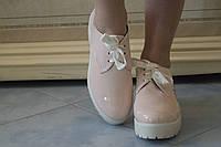 Женские стильные лакированные туфли на шнуровке и тракторной подошве. Арт-0433