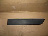 Молдинг бок левой двери Renault Kangoo (97-07) OE:8200077547