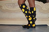 Высокие женские сапоги на змейке, черные в желтый горох  . Арт-0482