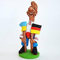 Глиняная статуэтка. Козак с двумя флагами (Украина, Германия). Украинский сувенир