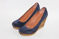 Женские замшевые туфли на танкетке, возможен отшив в других цветах кожи и замша
