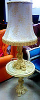 Настольная лампа в восточном стиле с столиком.