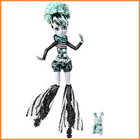 Кукла Monster High Твайла (Twyla) из серии Freak du Chic Монстр Хай