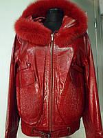"""Куртка-кожаная""""телятина""""красная с капюшоном+песец длина-65см 50р ОГ 100 ОБ 96"""