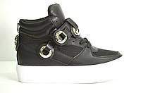 Слипоны женские черные на белой подошве,ботинки на белой подошве