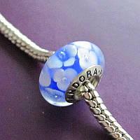 """Шарм бусина Pandora (Пандора) """"Муранское стекло голубой с белыми цветочками"""""""