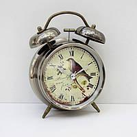 Часы-будильник с подсветкой (рисунок птицы)