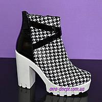 """Женские зимние ботинки на белой тракторной подошве, кожа """"гуси"""", фото 1"""