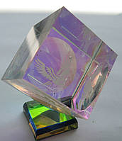 Статуэтка Куб стекло  высота 7,00 см. основа  3,0 см. СТАРЫЙ СКЛАД