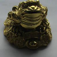 Статуэтка Жаба с монетами  высота 3,5 см. основа  6,0 см.