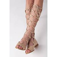 Высокие женские римские сандалии замшевые бежевые