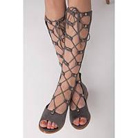 Высокие женские римские сандалии замшевые серые