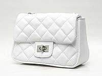Элегантная сумочка Chanel из натуральной кожи, белая