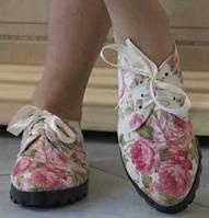 Красивые женские туфли на шнурках-ленточках с цветочным принтом на плоской подошве тефлон коттон