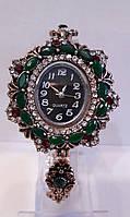 Женские наручние часы с камнями Сваровских