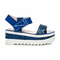 Модные женские босоножки на платформе блестящие синие