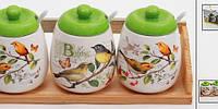 """Набор """"Птички"""" 3 банки по 330мл для сыпучих продуктов с ложечками на деревянной подставке маленькие"""
