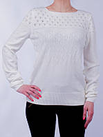 Весенняя женская кофточка белого цвета