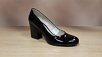 Черные лаковые туфли Польша