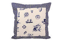 Подушка декоративная с морским принтом.