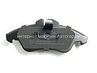 Тормозные колодки передние на Мерседес Спринтер 208-316 LPR (Италия) 05P608