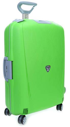 Пластиковый большой 4-колесный чемодан-тележка 90 л. Roncato Light 500711/57 салатовый