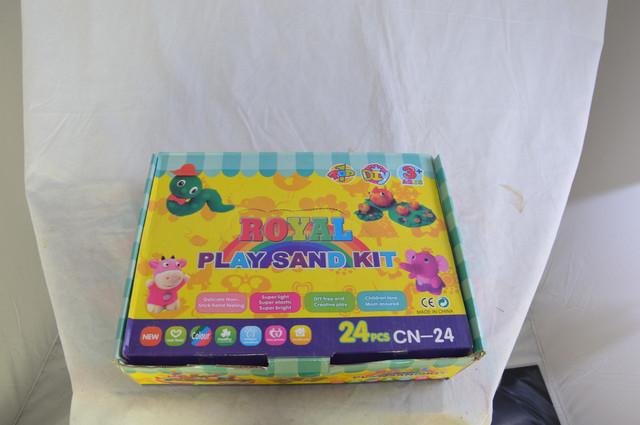 Песок кинетический Royal Play Sand Kit /набор 24 шт/