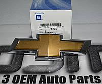 Значок в решетку радиатора Chevrolet Camaro 2014-15 новый оригинальный