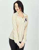 Блуза с длинным рукавом и цветами у кармана