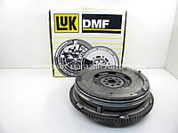 Двухмассовый маховик сцепления на Фольксваген ЛТ 2.8TDI (158 л.с.) 2002-2006 LuK (Германия) 415020810