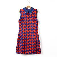 Яркое платье в геометрический узор