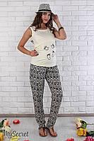 """Удобные брюки для беременных """"Hanna"""", из принтованого штапеля, орнамент экрю на черном фоне"""